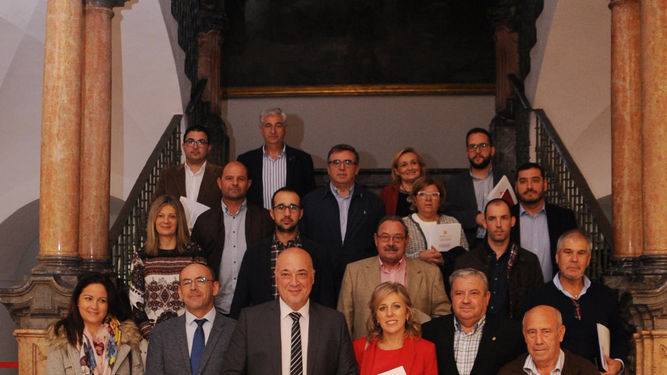 Ruiz-Martin-alcaldes-concejales-provincia_1294980625_90600511_667x375